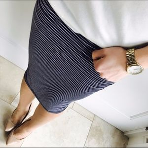 Vince Camuto Navy Striped Pencil Skirt S